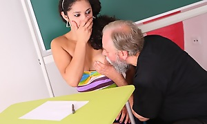Lara is a prexy pupil who is struggling in class. She thinks by having sex with will not hear of older teacher, she can convince him forth give will not hear of a better grade in his class.