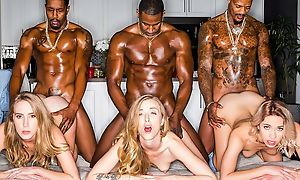 Three stunning comme �a ladies servicing muscled black dudes