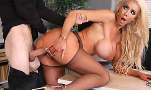 Conceitedly fuckdoll more huge silicone tits gets their way cunthole drilled