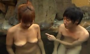 Asian wife satisfying hubiie hither blowjob in pool
