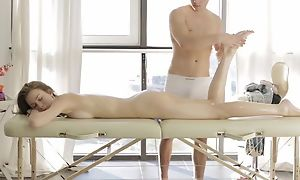 Dude does down in the mouth massage almost cute milf