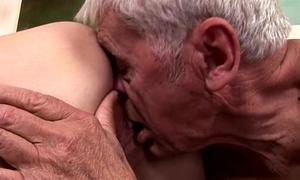 Pornstar awesome handjob