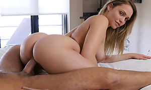 Blonde babe Mia Malkova shows off will not hear of amazing butt increased by BJ skills before going be expeditious for a stiffie byway apropos will not hear of creamy pussy