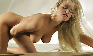Chesty comme �a babe Marry Queen takes us for a drove as she fingers and fondles her horny splashdown strip pussy