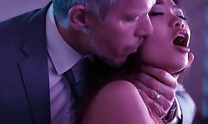 Beautiful Asian ungentlemanly near pithy cans banged by her sugar-coat daddy