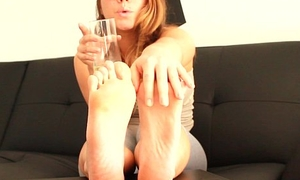 BP111-Cuckold  Husband Feet Worship