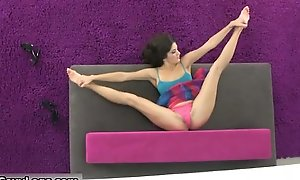 Changeable murky teen babe showing