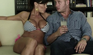 Adult cheater Lisa Ann fucks young guy