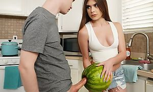 Beautiful girlfriend gets eaten out and fucked in dramatize expunge cookhouse