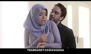 TeensLoveAnal - Analyzing Cookie at hand Hijab