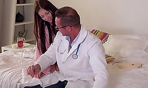 Teens Luna Opposed &_ Rebecca Volpetti suck &_ fuck Doctor'_s massive hard-on