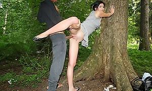 Peek girls first utter outdoor sexual intercourse